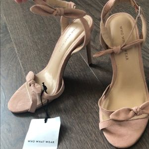 NWT Who What Wear bow sandals